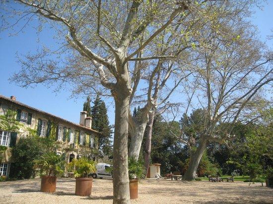Domaine de Rhodes : batisse de rhodes
