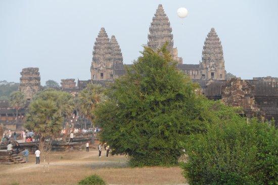 Khuon Tour Private Day Tours: Ankhor et ses temples
