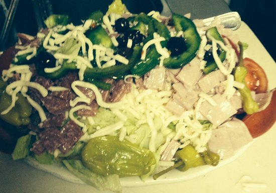 Palm Springs Pizza & Restaurant: Antipasta salad the best