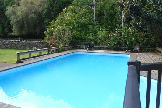 Lupton Lodge: Pool