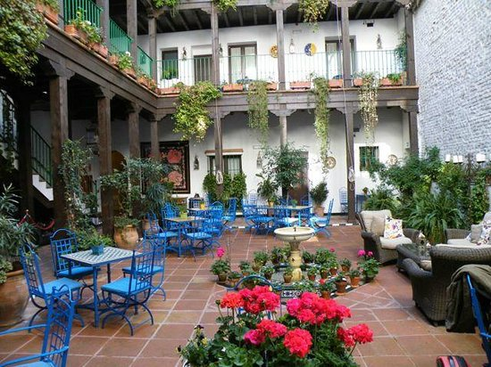 El Rey Moro Hotel Boutique Sevilla: Central Courtyard