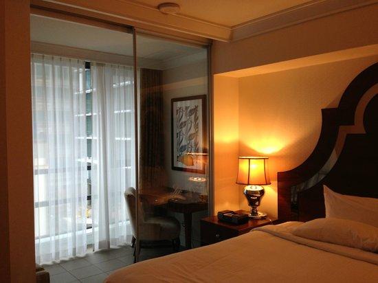 L'Hermitage Hotel : Bow-window/bureau