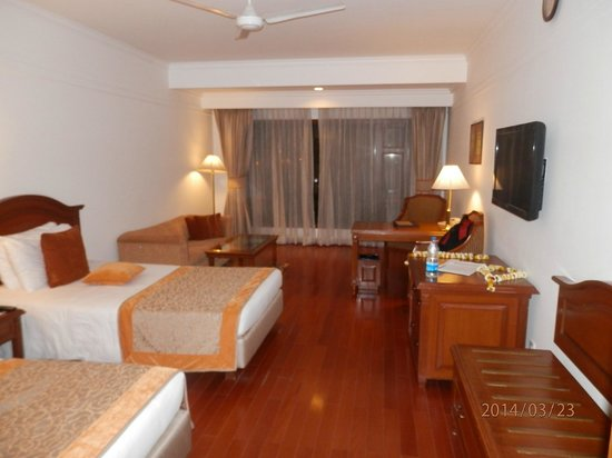Jaypee Palace Hotel & Convention Centre Agra: our room