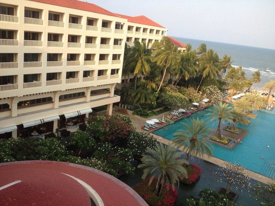 Dusit Thani Hua Hin: A room with a view