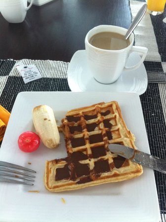 Coral Rock by Bansei: Breakfast and yummy waffles and coffee <3