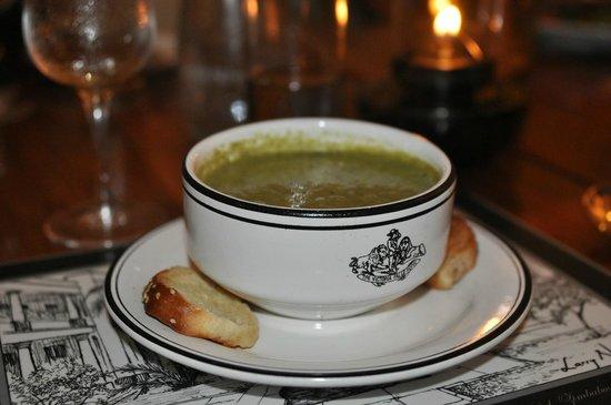 The Victoria Falls Hotel: блюда в ресторане