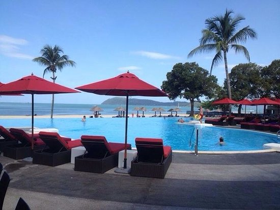 Holiday Villa Beach Resort & Spa Langkawi: Executive pool area