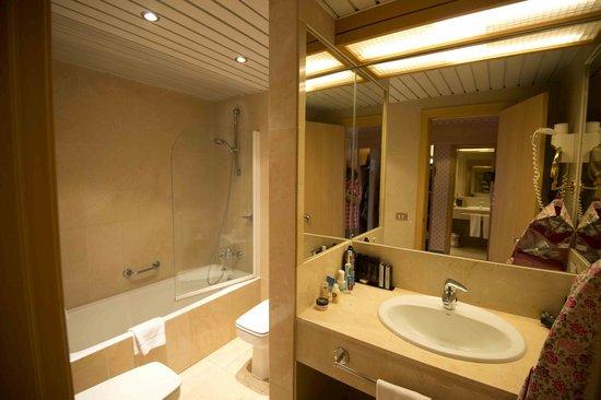 Melia Tamarindos: Very good bathroom