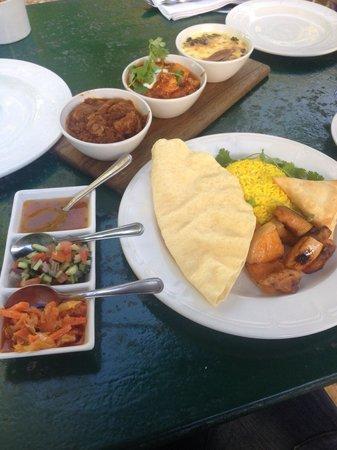 Jonkershuis Restaurant at Groot Constantia: Cape malay tasting plate!