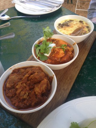Jonkershuis Restaurant at Groot Constantia: Lamb curry, chicken curry, bobotie