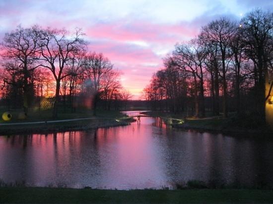 Kasteel Engelenburg : zonsonderhang in Maart