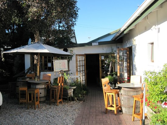Nothando Backpackers Lodge: Außenbereich