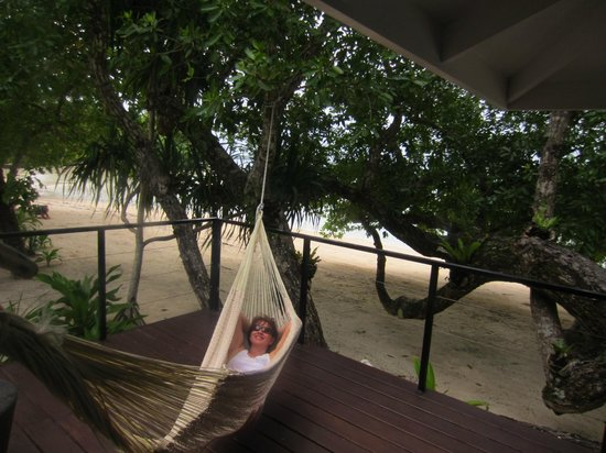 Moyyan House by the Sea: Just hanging on our deck...