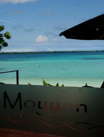 Moyyan House by the Sea: View from the dining room, beautiful!
