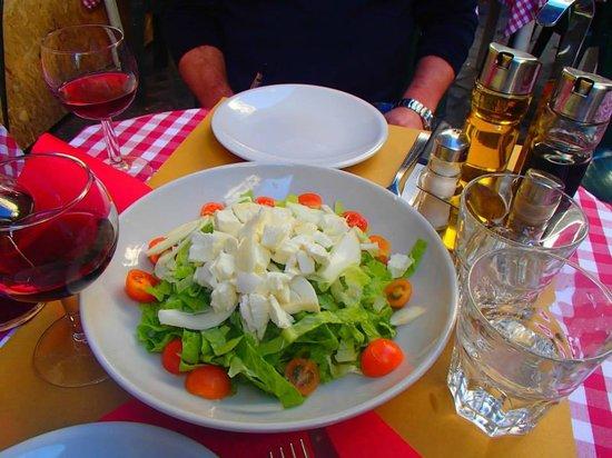 La Focaccia: salade mozzerela