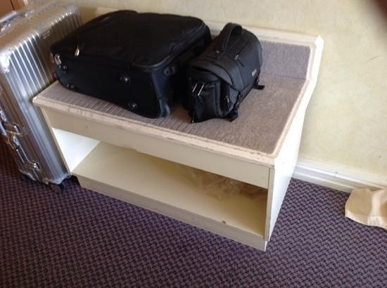 Radisson Blu Scandinavia Hotel: Die Kofferablage