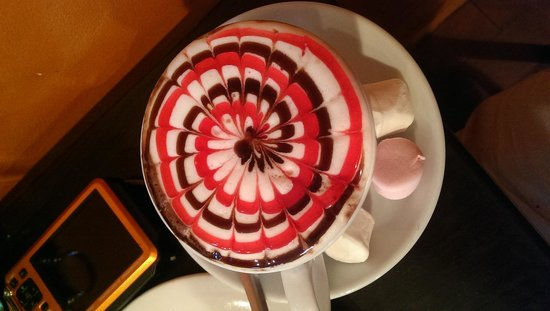 Piccolino's Cafe Italino: Give the Hot Chocolate a go!