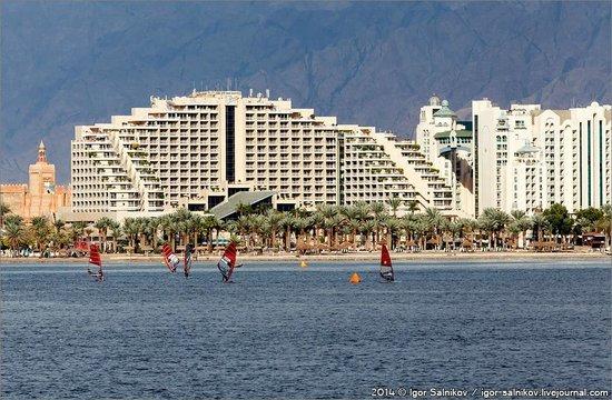 Dan Eilat : Вид на отель с моря