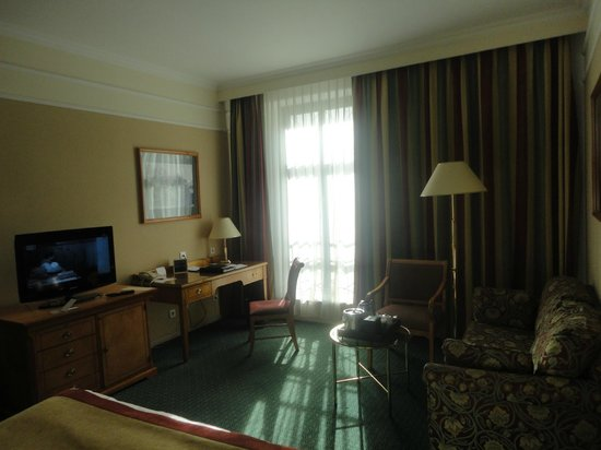Moscow Marriott Grand Hotel : room