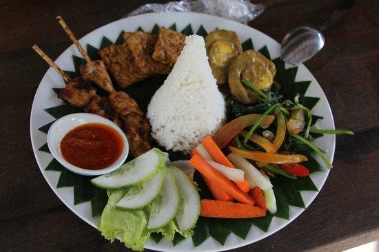Kelapa Luxury Villas : Lunch: Nasi Campur. Delicious