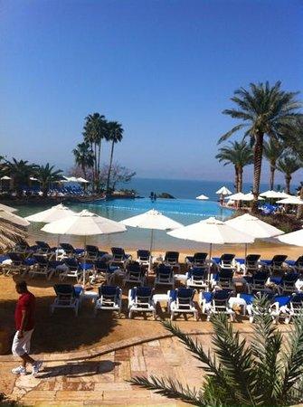 Movenpick Resort & Spa Dead Sea: summer pool