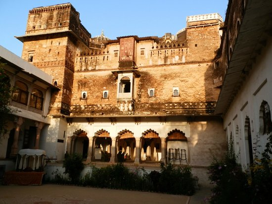 Castle Bijaipur : Outside view of palace room 2nd floor right 2 small windows