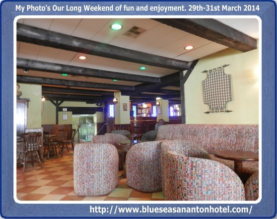 The San Anton Hotel: hotel irish pub