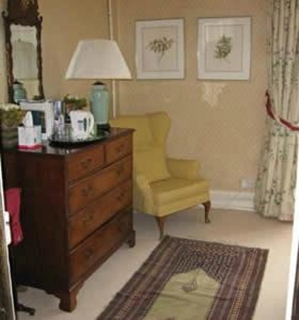 Somerford House: Twin bedroom