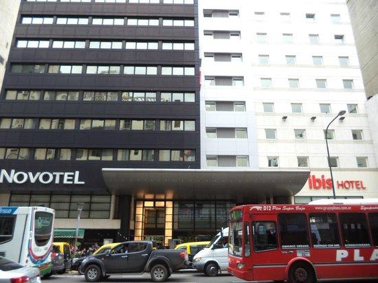 Hotel Ibis Buenos Aires Obelisco : Fachada do Hotel