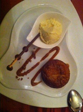 La Forge: moelleux au chocolat blanc et une glace vanille ...HUM !