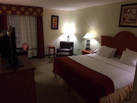 Holiday Inn Express Aberdeen - Chesapeake House : king non smoking room