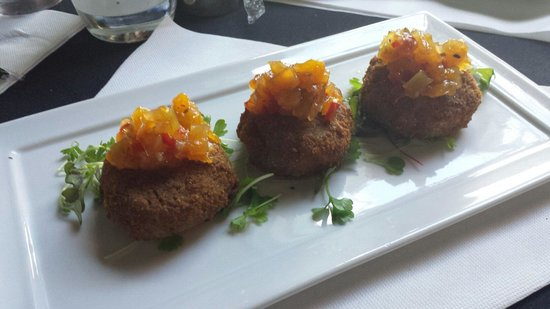 B Matthew's Eatery : Pork and fennel fried risotto cakes