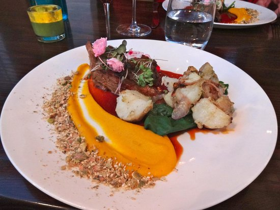 Fiddlesticks Restaurant & Bar: Delicious lamb dish at Fiddlesticks