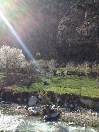 La Perle de l'Ourika : Blick von der Terrasse