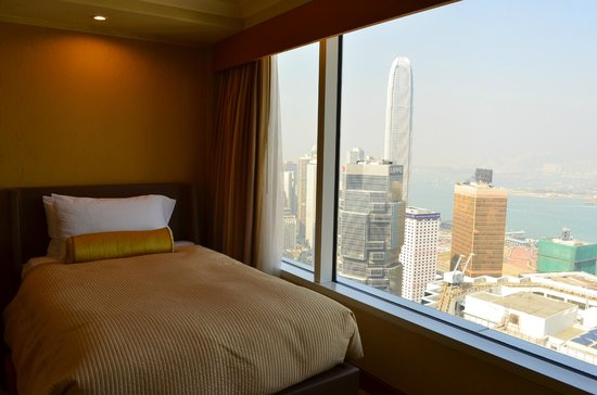 Conrad Hong Kong: Harbour view suite
