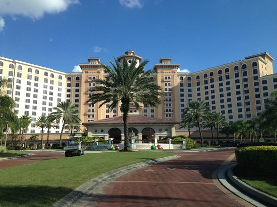 cadillac town car cabs picture of rosen shingle creek. Black Bedroom Furniture Sets. Home Design Ideas