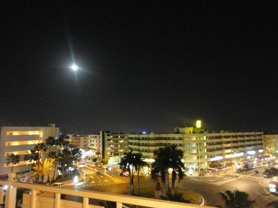 Sol Barbacan Hotel: Vistas desde la galería de entrada