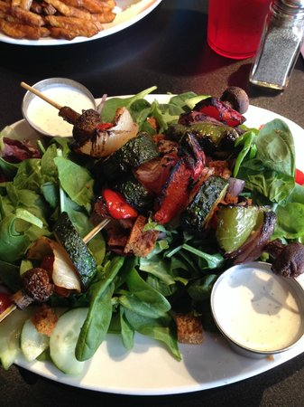 Atomic Grill : Grilled vegetable salad - delicious!