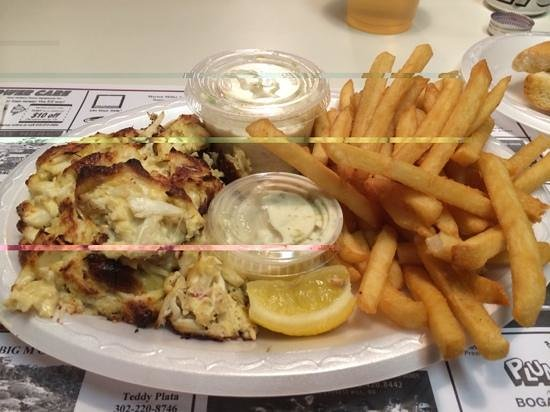Riverside Pizza: crab cake special at Riverside Pizzeria