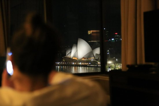 Four Seasons Hotel Sydney: .