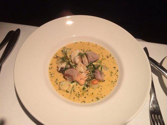 Oysters Restaurant : Seafood chowder