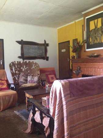 Zomba Forest Lodge: Living room