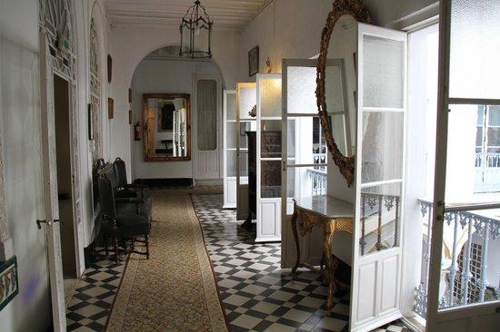 Simon Hotel: Coridor