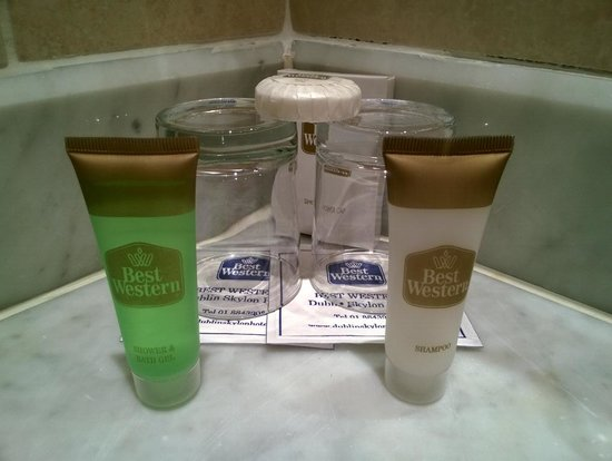 Dublin Skylon Hotel: Bathroom amenities