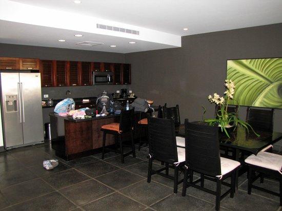 Los Altos Beach Resort & Spa: DINING/KITCHEN