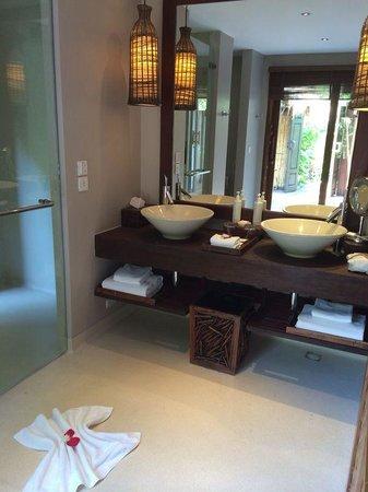 Anantara Rasananda Koh Phangan Villas: Salle de bains