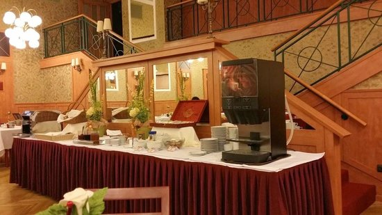 Hotel Raba City Center: coffee and tea during breakfast time