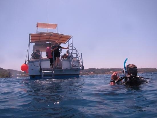 Infinity Divers Aqua Center : diving platform off of the Rotilla.