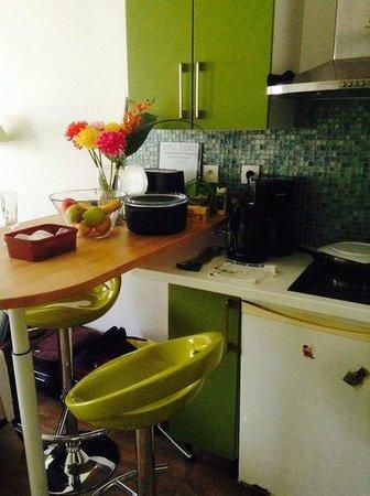 Karraz Hotel : кухня