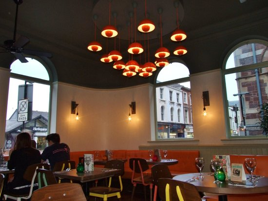 Las Iguanas - Exeter: Loved the lights in the restaurant